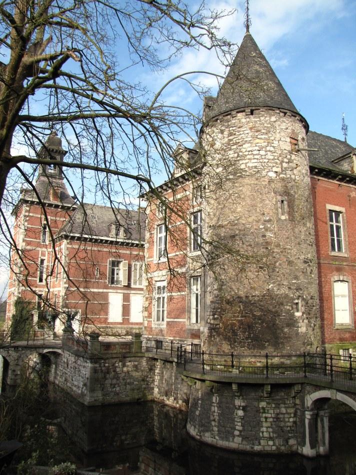 Vue sur le chateau XII XVII XVIII
