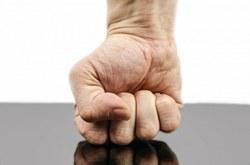 Violence conjugale et intrafamiliale : les services d'aide restent à votre disposition